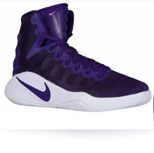 NWOT: Nike Zoom Women's Hyperdunk Sneaker